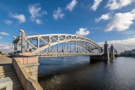Большеохтинский мост в Санкт-Петербурге / Bolsheokhtinsky Bridge in Saint Petersburg / © Florstein CC BY-SA 4.0, FAL