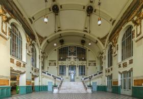 Вестибюль Витебского вокзала в Санкт-Петербурге / Vestibule of Vitebsky Rail Terminal in Saint Petersburg