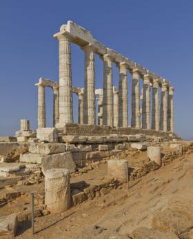 Храм Посейдона и археологическая экспозиция в Греции / Temple of Poseidon and Archaeological site, Greece / © A.Savin CC BY-SA 4.0, FAL