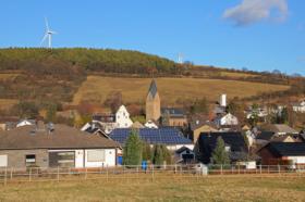 Mechernich-Kallmuth: Aussicht über das Dorf einschl. der Kirche St. Georg / © A.Savin CC BY-SA 4.0, FAL