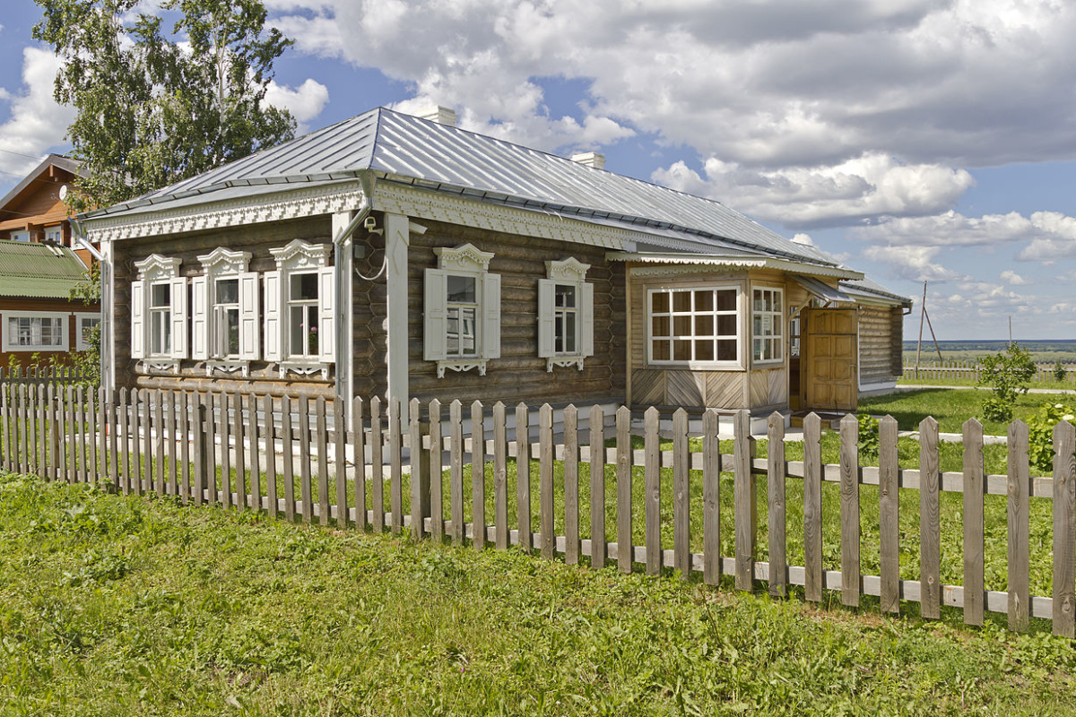 Former house of priest Smirnov in Konstantinovo village, Ryazan Oblast, Russia