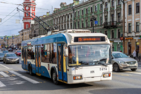 Троллейбус БКМ-321 на Невском проспекте в Санкт-Петербурге / Trolleybus BKM-321 on Nevsky Avenue in Saint Petersburg