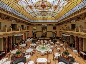 Атриум гостиницы «Метрополь» в Москве / Atrium of Hotel Metropol in Moscow / © A.Savin CC BY-SA 4.0, FAL