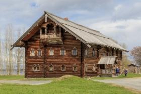 Дом Яковлева на острове Кижи, республика Карелия / Yakovlev House on Kizhi Island, Republic of Karelia / © A.Savin CC BY-SA 4.0, FAL