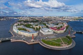 Стрелка Васильевского острова в Санкт-Петербурге / Vasilievsky Island Spit in Saint Petersburg / © A.Savin CC BY-SA 4.0, FAL